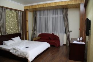 Cat Ba Hotel Room